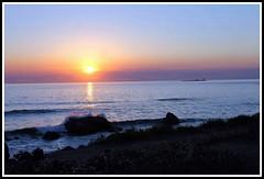 Coucher de soleil  - le de Noirmoutier (Les photos de LN) Tags: sunset ocanatlantique ledenoirmoutier vende couleurs lumire rochers