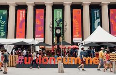 #unionsummer (dtstuff9) Tags: toronto ontario canada union station unionsummer clock pillars columns market eatery downtown