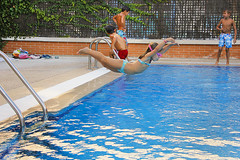 Carlota (Eduardo Valero Suardiaz) Tags: carlota piscina swimming pool verano summer nia chica girl babe baby guapa beautiful baador bikini swim wear