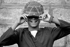 _DSC2257 -PAB - (Le To) Tags: extrieur noiretblanc nerosubianco bw monochrome enfant casquette sourire portrait ritratto