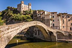 Dolceacqua (Im) (carlogaia) Tags: bridge ponte liguria italy castle castello borgo