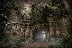 Highgate (Lost Light) Tags: highgate cemetery london egyptian catacombs jungle spooky graveyard tomb tombraider ghostly mausoleum