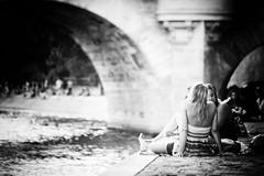 bridge jet jones (Pixelicus) Tags: nikon d700 bridge paris city ville girls parisienne
