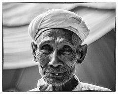 Smile while u can (Azizasrar Photoghraphy) Tags: smile potrait blackandwhite amateurtobepro travellight canon human
