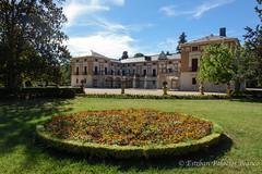 Casa del Labrador, en Jardines de Aranjuez (estebanjvr) Tags: aranjuez jardinesdearanjuez patos duck spain espaa primavera spring casadellabrador