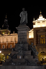 Krakow by night: statue (SpirosK photography) Tags: poland  krakow night  statue