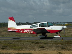G-RUBB GRUMMAN AA-5B TIGER (BIKEPILOT) Tags: flying airport aircraft aviation aeroplane grubb airfield aerodrome blackbushe grummanaa5btiger eglk
