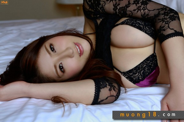 Socvl.net - Hotgirl Nhật Bản diện bikini xuyên thấu cực sexy