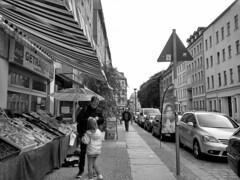 giorno 7: passeggiata a Scheunenviertel (laragazzablu) Tags: berlin scheunenviertel