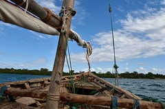 Sailing on a wooden dhow to Kiwla Kisiwani from Kilwa Masoko (4) (Prof. Mortel) Tags: tanzania dhow kilwamasoko kilwakisiwani