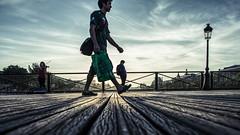 Giant... (Photo-LB) Tags: giant streetphoto couleurs rue paris france capitale lumire nikon d800 nikon24afs geant contreplong light extrieur street pont lampadaire europe