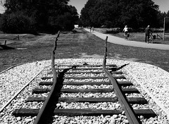 Kamp Westerbork (Miranda Ruiter) Tags: jewish victims concentrationcamp kamp hooghalen assen bent rails monument westerbork