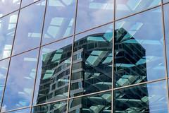 Den Haag Centraal (Pieter ( PPoot )) Tags: denhaag centraal station spiegeling glas