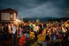 fartukarte-2-edicion-ribadesella-paseo-de-la-grua-asturias-gente-noche-1
