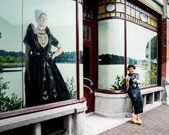 Mary (evelien noens) Tags: eastmeetswest juxtaposition contradiction contrast mascurafoundation