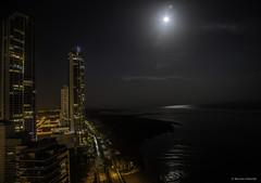 Costa del Este, Panama (Bernai Velarde-Light Seeker) Tags: costadeleste panama city ciudad bernai velarde apartments apartamentos buidlings edificios sea mar ocean oceano pacific pacifico fullmoon lunallena