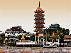 Pagoda on Chao Praya River (Bruno Zaffoni) Tags: bangkok thailand
