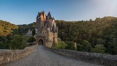 Burg Eltz (cheekboneshelly) Tags: castle burg sight sehenswrdigkeit travel sightseeing germany deutschland reise earthporn