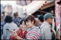 (a festival day) (xperiane (Extremely busy)) Tags: pentaxlx samyang85mmf14 kodak gold200   festival japan