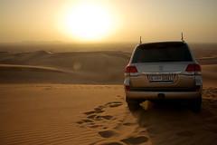 Dubai desert safari - United Arabic Emirates (WOfoto) Tags: desert sand zand woestijn toyota landcruiser sunset car nature landscape emirates dubai wofoto d5200 sigma1750mmf28 safari