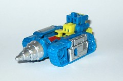 nightbeat transformers generations titans return titan master hasbro 2016 h (tjparkside) Tags: nightbeat transformers generations titans return titan master hasbro 2016 mosc autobot autobots transformer headmaster headmasters g1 g 1 one generation drill tank aircraft gun cannon blaster weapon weapons mode modes