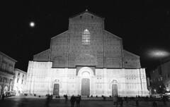Bologna-San Petronio. (michele.palombi) Tags: bologna sanpetronio analogico film darkroom trix400film400