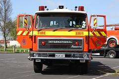 NQ 8347 (ambodavenz) Tags: auckland fireengine fireappliance newzealandfireservice newzealand southauckland international 1850d austral fire