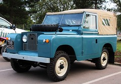 TBB 402G (2) (Nivek.Old.Gold) Tags: 1968 land rover 88 series 2a softtop