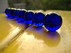 Blue_Marbles_by_richardxthripp (XandeCosta) Tags: wallpaper 1024x768
