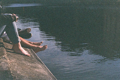 May 2012. (-MRGT) Tags: street sun paris film water analog vintage warm kodak 28mm grain may wideangle dirty dust canonae1 expired f28 mrgt margotgabel