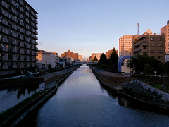 R0011495 (bosscoff) Tags: ricoh grd2 japan tokyo   river  narrows  sunset sss