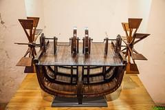 Prototipo del primer barco sin velas. Diseado por Leonardo da Vinci. (PEDROLO68) Tags: loira barco pedrola zaragoza aragon espaa francia