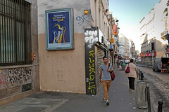Paris 11me - Paris (France) (Meteorry) Tags: europe france idf ledefrance paris spaceinvader spaceinvaders invader invaderwashere mur wall street rue art artderue pixels pa222 reactivated reactivation lajava orangina man homme male guy monsieur nikeairmax90 morning matin streetscene july 2016 meteorry