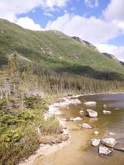 013 - Parc national de la Gaspsie : Lac aux Amricains (Arfphandal Forfal Forphan) Tags: trip qubec gaspsie forest tree arbre fort nature water eau park landscape
