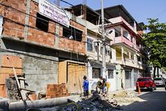 Elisngela Leite_Redes da Mar_7 (REDES DA MAR) Tags: elisngelaleite riodejaneiro brasil favela mar parqueunio obra casadasmulheres trabalho homem complexodefavelas ong redesdamar