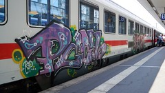 Graffiti (Honig&Teer) Tags: graffiti honigteer hannover db deutschebahn ic eisenbahngraffiti eisenbahn train treno traingraffiti trainart railroad railways railroadgraffiti spraycanart sport sbahn bombing vandalismus