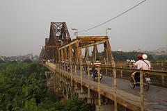 7M1A8501 (gmacfadyen) Tags: long bien bridge hanoi cau red river sunrise train vietnam