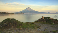 Majestic (ReginalddeGuia) Tags: mayonvolcano legazpi sunrise