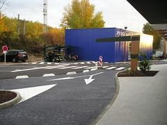 Bi-Port Cycle Shelter (Glasdon International) Tags: glasdon glasdoninternational biport cycle shelter cycleshelter