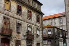 DSC04585 (nomiegirardet) Tags: porto portugal europe water douro bird goelan house old red sky river blue wine food wall azulejos faence