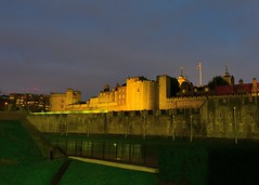 Tower of London (west side) (gillybooze) Tags: allrightsreserved castle toweroflondon night sky architecture building flag