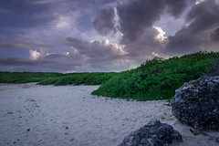 Un monde tonnant (nathoumatnik) Tags: sea cloud nature rock photo nikon paradise sable caribbean amateur guadeloupe antilles gwada phography d600 roch nikond600 nathoumatnik
