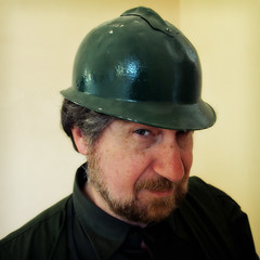 The green helmet (Giorgio Verdiani) Tags: world portrait man verde green castle face digital beard war raw digitale helmet first guerra olympus uomo professor prima ta marcello castello ritratto zuiko puglia barba professore 43 omd militaria researcher faccia scalzo apulia orf militare mondiale fourthirds militay ricercatore tonemapping 1250mm em5 palagianello quattroterzi 16mp elemetto