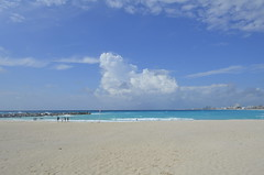 "Cancun Beach • <a style=""font-size:0.8em;"" href=""http://www.flickr.com/photos/36070478@N08/10255799773/"" target=""_blank"">View on Flickr</a>"