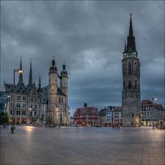 Marktplatz am Abend (p h o t o . w o r l d s) Tags: marktplatz hallesaale sachsenanhalt deutschland hdr photomatix tonemapping fujixt10 fuji14mm28 photoworlds eveninglight abendlicht