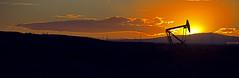 Por do sol extrao de petrleo (Jean & F Fuckner) Tags: por do sol sunset argentina cavalo de pau petrleo