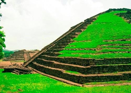 Zona Arqueológica El Tajin, Papantla, Veracruz #papantla #eltajin #turismoveracruz #veracruz #totonaco #exploraveracruz