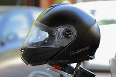 Casco (Franco Gavioli) Tags: 2016 fragavio francesco gavioli canoneos600d canonef100mmf28macrousm yongnuoyn568exiiettl augusta sicilia sicily casco helmet honda moto