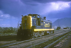 AT&SF Alco RSD5 2135 (Chuck Zeiler) Tags: atsf alco rsd5 2135 railroad locomotive chz