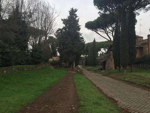 #Corsetta lungo via #appiaantica con il #rischio #pioggia poi scongiurato  #runnersroma70 #jogging @jogging_man